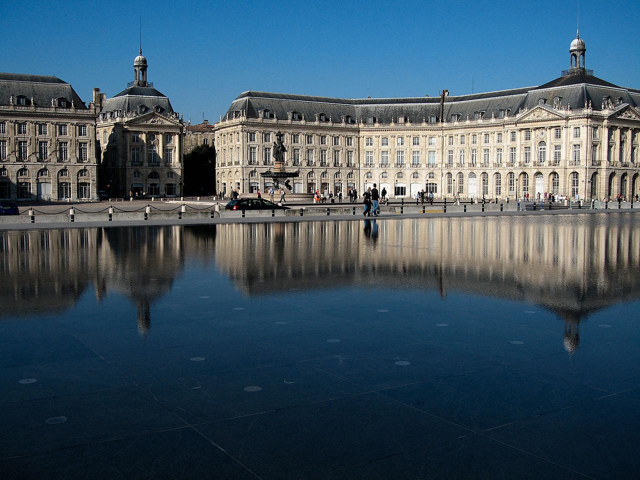 1280px-Bordeaux_Miroir_001